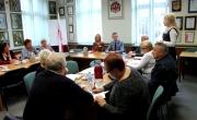 spotkanie burmistrza z seniorami w sprawie szczepień