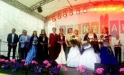Przedstawiciele miast partnerskich z nową Królową Łabędzia